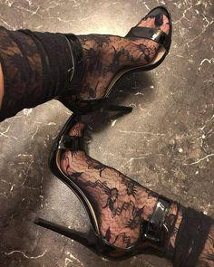 """Mi piace"": 154, commenti: 4 - Feet & High-Heels (@feetandheels) su Instagram: ""Amazing! ❤…"""