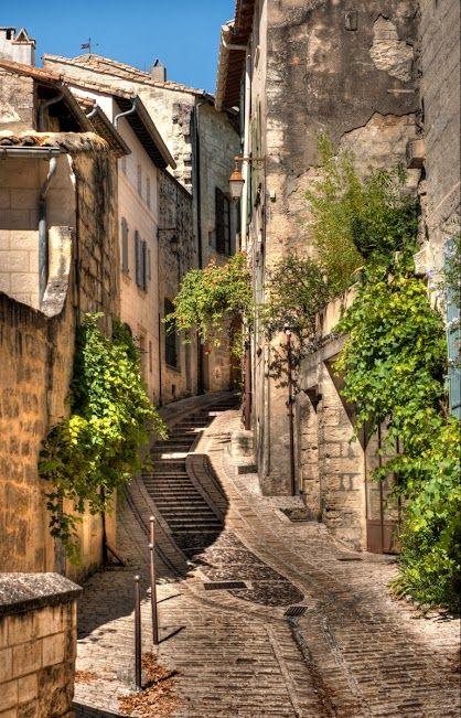 Uzes, Provence, France http://www.vertrekdirect.nl/lastminutes/frankrijk.html?utm_source=pinterestutm_medium=textlinkutm_campaign=socialmedia