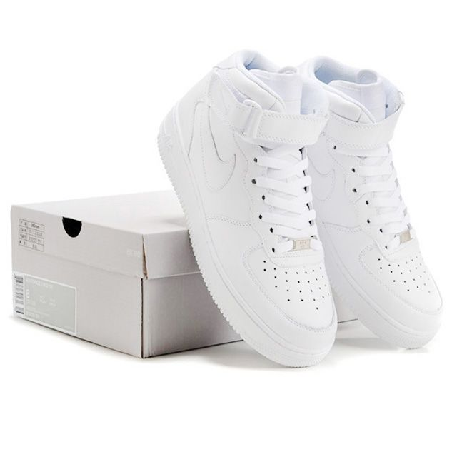 Classic White Nike Air Force One! If I could have any shoes, it would definitely be these! They looks soooo nice! find more mens fashion on www.misspool.com