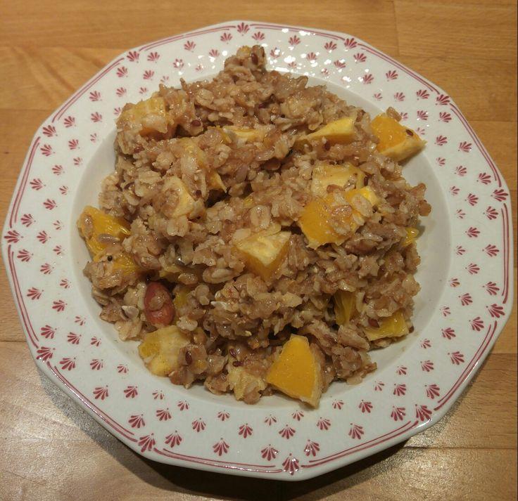 Hot breakfast: porridge with oranges and cinnamon! Healthy and tasty ;)