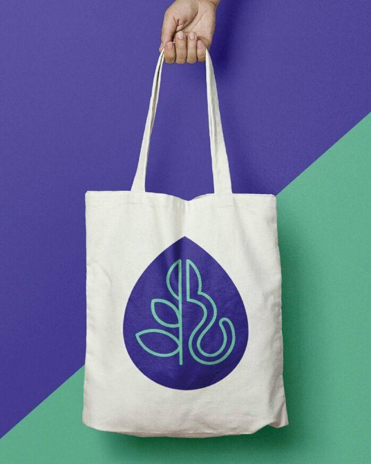 Portfolio WIP :) #totebag #flores #florist #design #branding #graphicdesign #mockup #creativelife #colourful #melbourne #business #brandingdesign #flowers #logo #logodesign