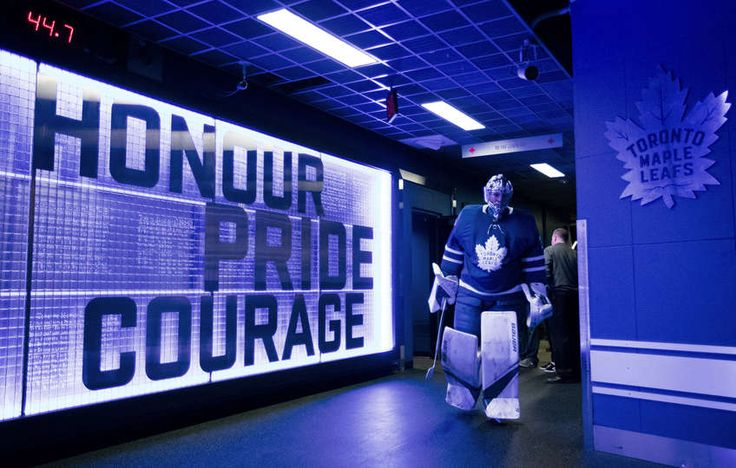 TORONTO, ON - OCTOBER 23: Frederik Andersen #31 of the Toronto Maple Leafs returns to the dressing room after warm up before facing the Los Angeles Kings during the first period at the Air Canada Centre on October 23, 2017 in Toronto, Ontario, Canada. (Photo by Mark Blinch/NHLI via Getty Images)