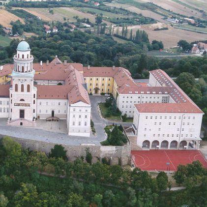 Monastery Abadía of Pannonhalma | Hungría
