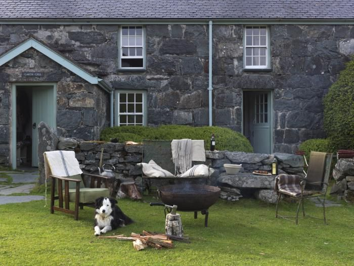 Rustic Farmhouse, Snowdonia National Park, Alpaca Pie: Remodelista