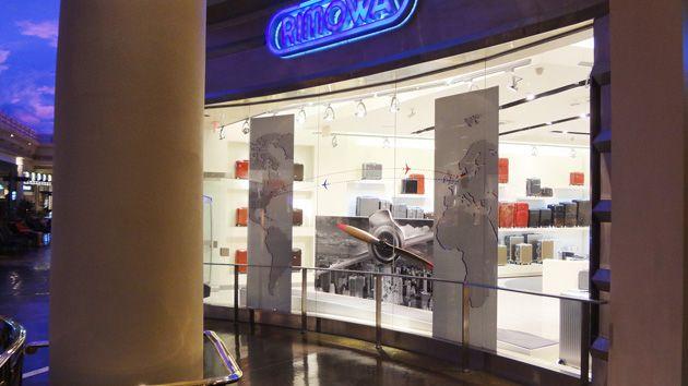 Retail Display Design – RIMOWA – Store Front Display
