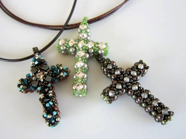 Beaded Cross . Materials: 44 4mm pearls, 48 3mm pearls, 11 3.2mm montees, 11/0 SB