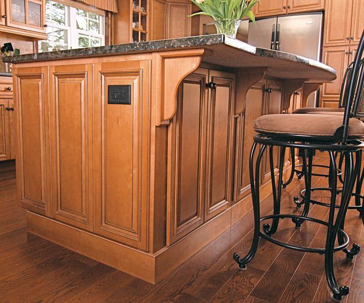 Lovely River Run Shaker Cabinets