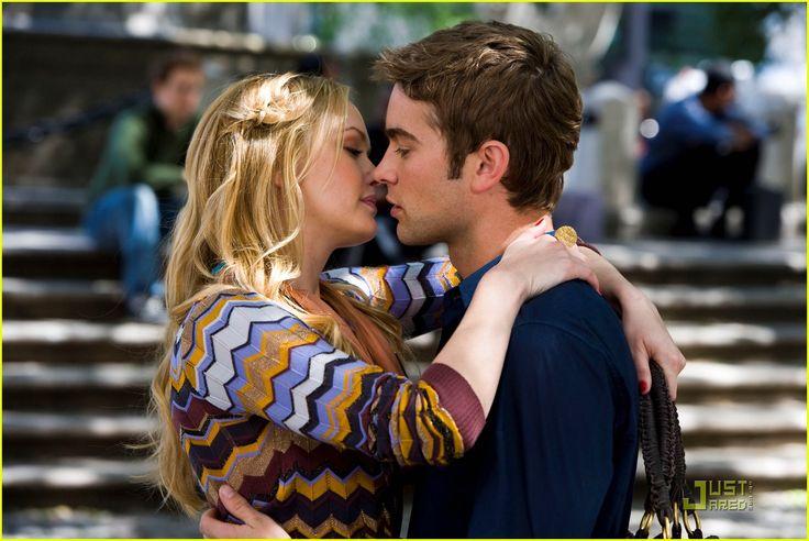 chace-crawford-kaylee-defer-kissing-scene