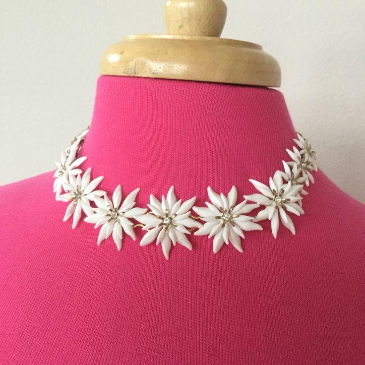 50% Off SALE 2 Days ONLY #etsy shop: Vintage white plastic flower necklace