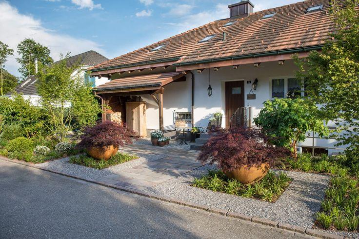 Moderner Vorgarten - PARC'S Gartengestaltung GmbH