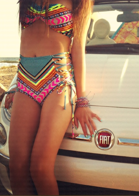 I NEED A HIGH WAISTED BATHING SUIT FOR THIS SUMMER! Too cute :)