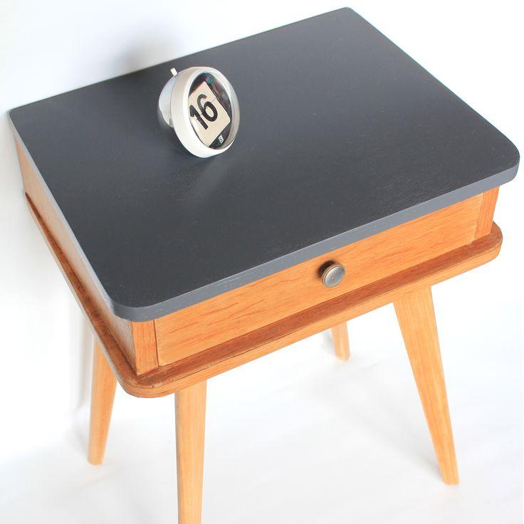 1000 id es sur le th me chambre coucher des ann es 60 for Table exterieur largeur 60 cm