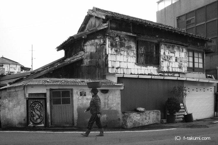 Takumi Fujimoto /【韓国写真日記】NO.31 한국사진일기 Photo diary 2013.12.05→12.16 木浦 西山洞 목포 서산동 2013.12.12 / #골목 #집 #놓아두기 / 전라남 목포 서산 / 2013 12 12 /