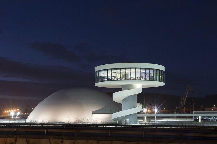 https://flic.kr/p/x8NmYT   Centro Niemeyer, Avilés, Spanje   Architect: Oscar Niemeyer (2011)