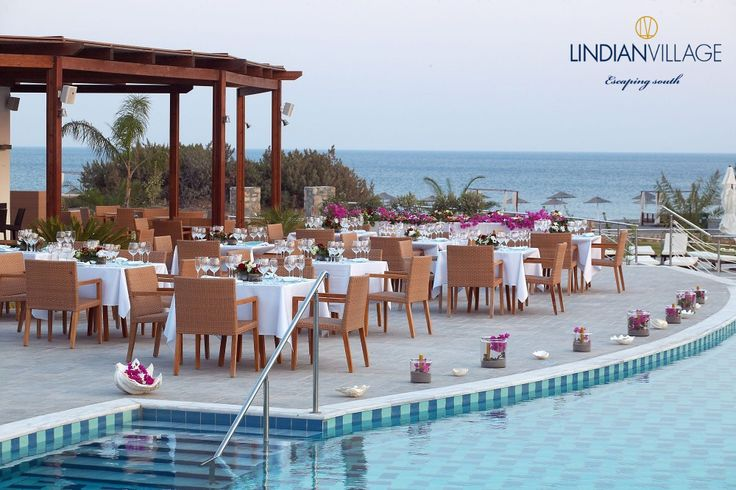 If romance is on the agenda, head to the al fresco Astroscopus with its commanding views of the Mediterranean. #romanticdining #astroscopus #lindianvillage