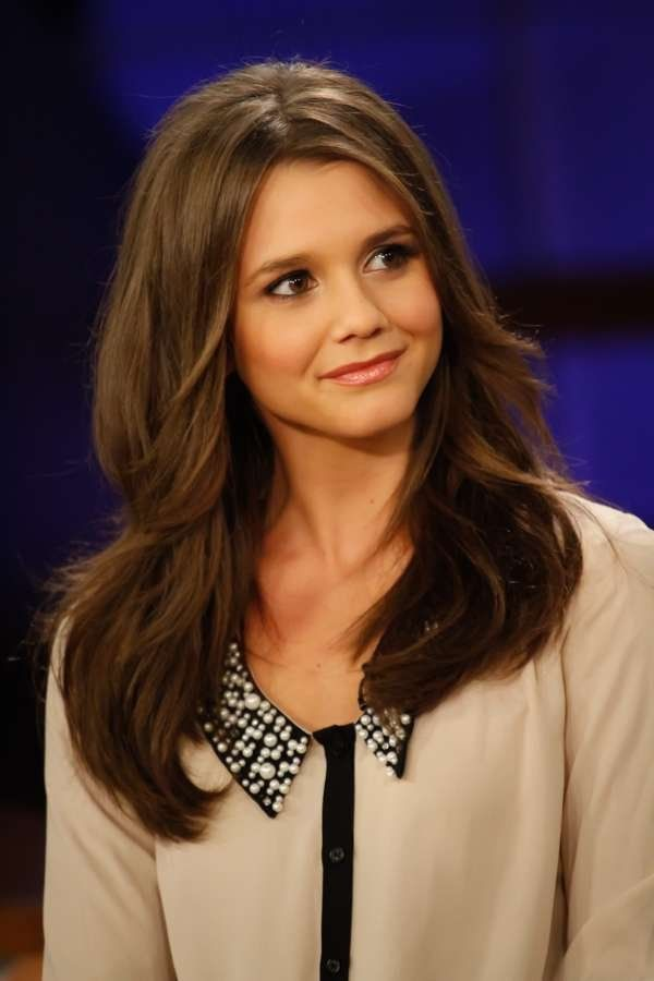Alexandra Chando. I want this haircut