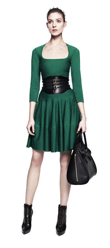 bc8f729a9370 green dress with black corset