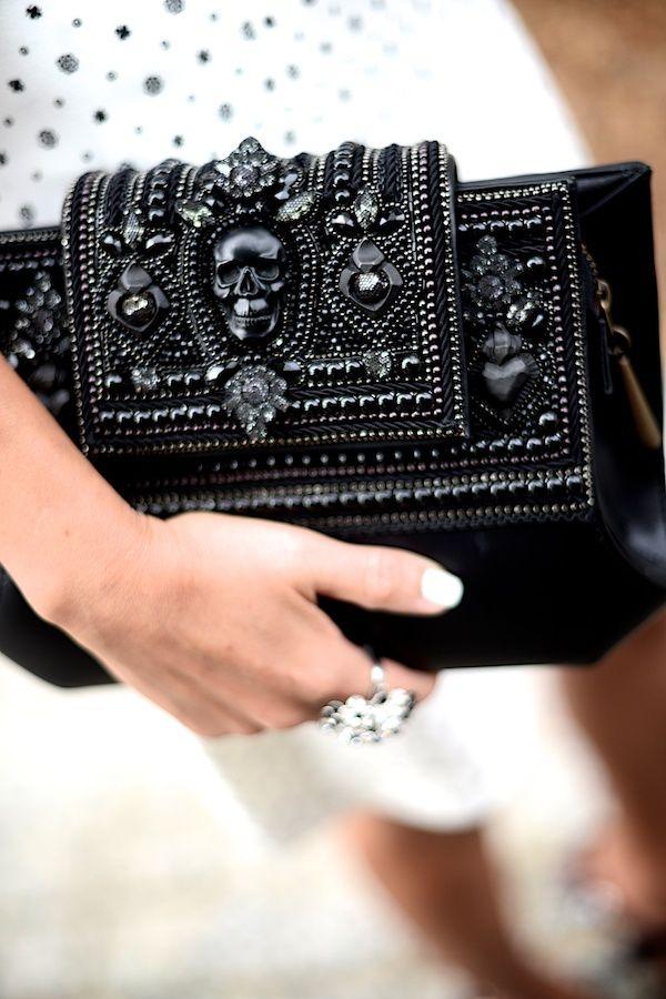 pash-for-fash: parfum-noir: ♥ Check out Parfum-noir for more! http://pash-for-fash.tumblr.com/