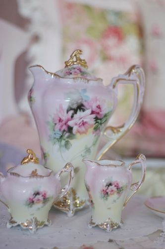 Gorgeous tea set  by Pink Fairy - DECOmyplace Projects