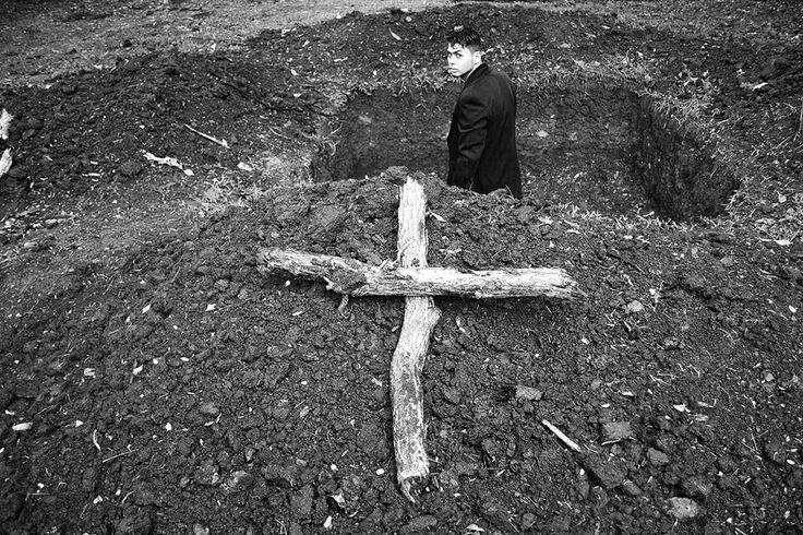 #entierro #cruz #tierra