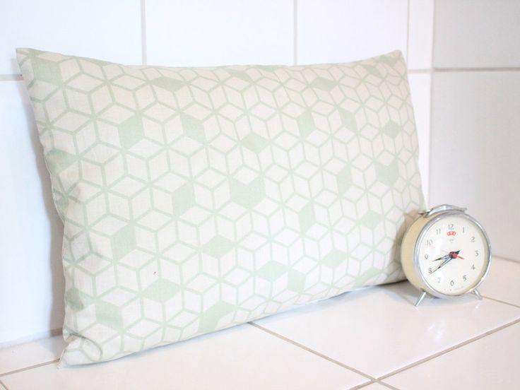 Kissen - retro Kissen grün Geometrie 50x30 VINTAGE Kissen - ein Designerstück von Handmade-Erzgebirge bei DaWanda