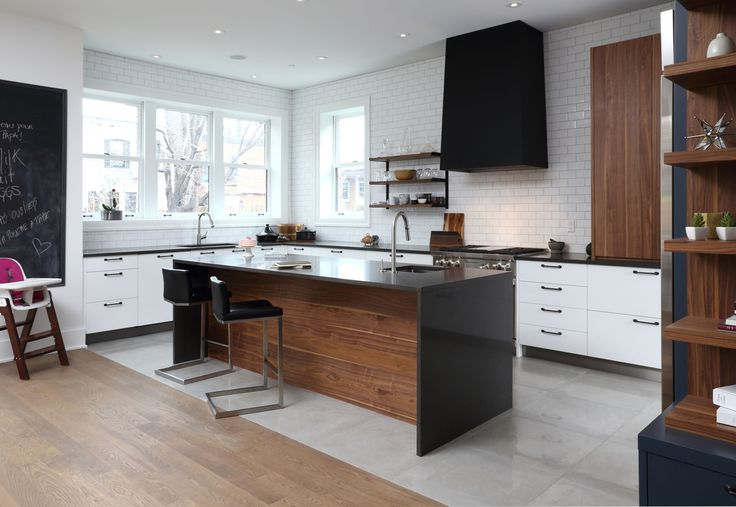 White, black and wood | Cuisines Steam @cuisinesteam