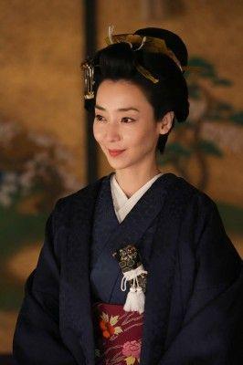 大河ドラマ「八重の桜」で松平容保の義理の姉・照姫を演じる稲森いずみ
