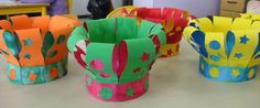Diy Crown. Use paper or fabric scrap? Might need to stiffen fabric or use wire to shape