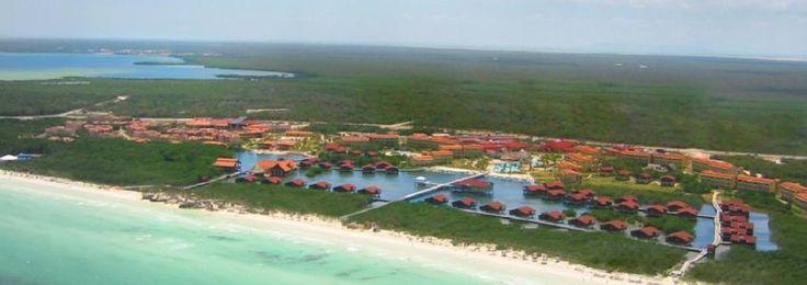 IBEROSTAR Mojito Stratégiquement situé face à une plage de sable blanc et fin de plus de 600 m, dans la zone connue sous le nom de Jardines del Rey, face à l'une des plus grandes barrières de corail de la mer des Caraïbes, ce splendide hôtel dispose de 352 chambres spectaculaires.