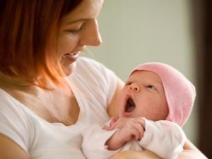 Geburt: Das Wochenbett-Survival-Paket