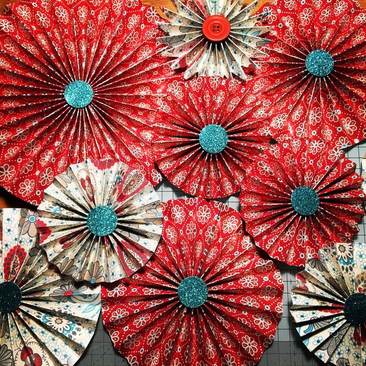Pinwheel Christmas decor