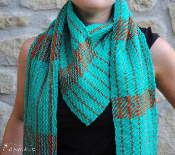 Handwoven V-scarf or infinity scarf? handmade by Atelier Faggi Italy #weaving #handweaving #weaving-techniques #weaving-patterns #atelierfaggi