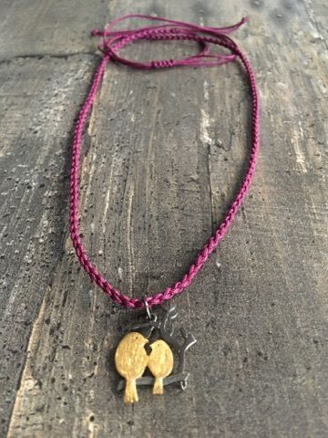 Macrame necklace with love birds from Mantelida!!!