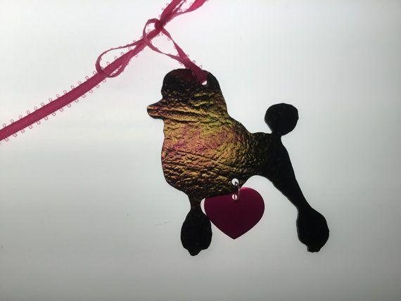 Poedel silhouet Ornament in gekleurd glas
