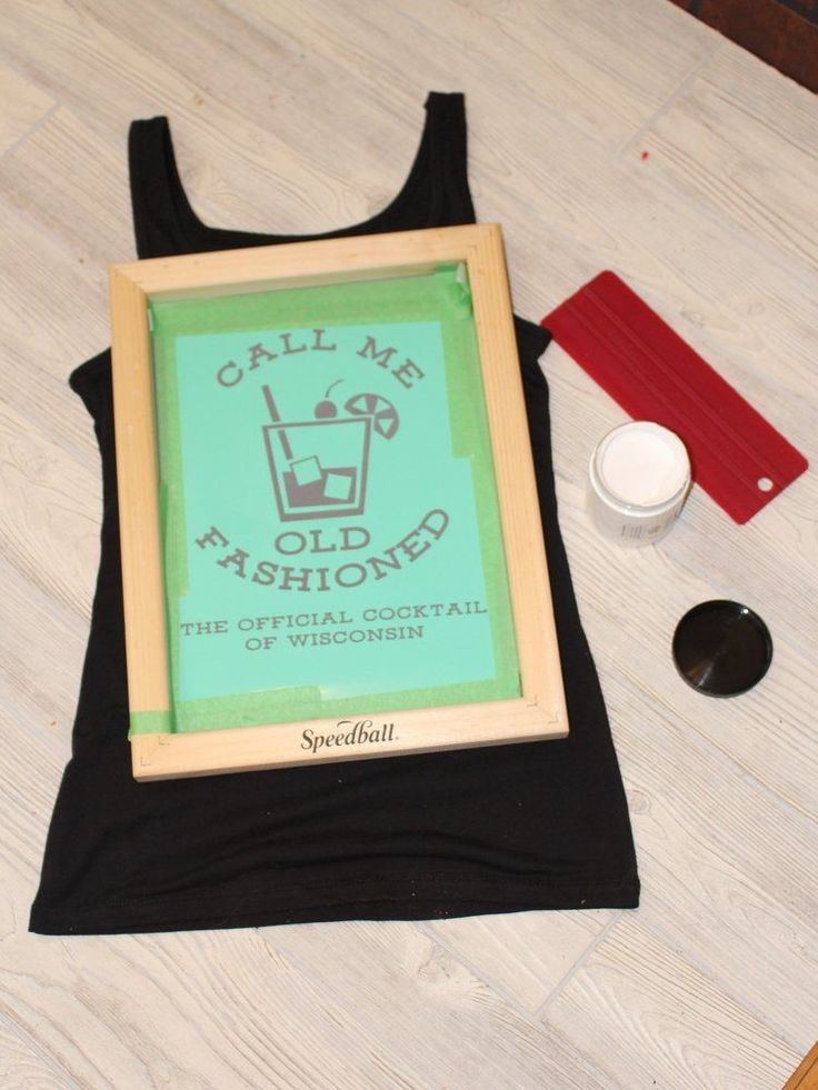 Watch out, HTV, I have a new obsession when it comes to my graphic tees! While HTV gives you clean, sharp lines, I love the vintage look of screen printing. There are a few ways to get the job done, but if you have a Silhouette (or other cut machine)you have a fast and easy way to create