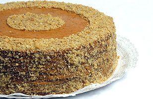 Torta de nuez, manjar y pastelera: Una suave combinación