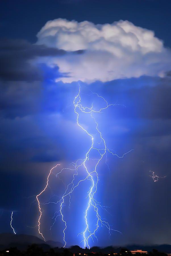 Monsoon storm activity in the Desert of Arizona via: Edie Barger