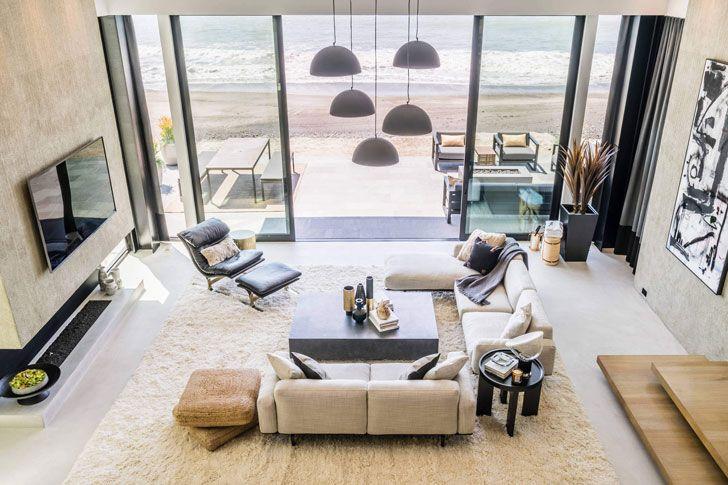 Океан у твоих ног: современная вилла на пляже в Калифорнии | Пуфик - блог о дизайне интерьера