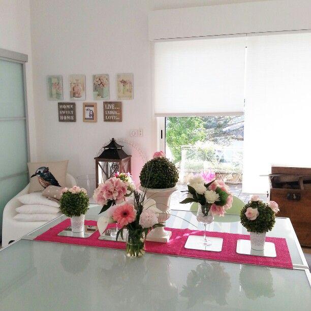 Interior design. Spring tablescape