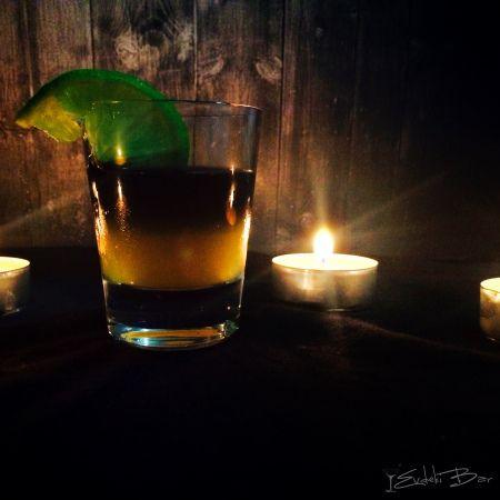 ROTTEN PUMPKIN http://evdekibar.com #booze #kokteyl #cocktail #drinkporn #foodporn #orangejuice #portakalsuyu #Eristoff #black #eristoffblack #Halloween #scary #candle #mum #drunk #party #rottenpumpkin