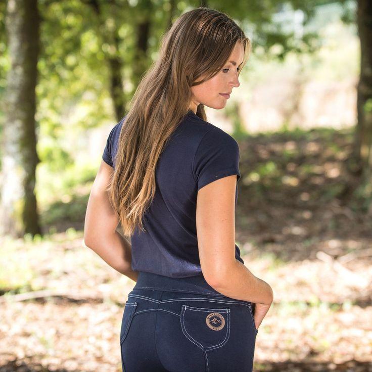 Découvrez notre Culotte Paige Horze Spirit  Cette culotte est un parfait complément à votre garde-robe d'équitation d'été. Culotte d'équitation est parfaite pour tous vos instants cavaliers durant l'été. Cette culotte est facile à porter et à entretenir. La ligne de cette culotte qui va devenir votre favorite de l'été.  Caractéristiques : Culotte d'équitation femme en maille coton respirante.  Description technique : Matériaux : 95% de coton, 5% d'élasthanne, mailles. Instructions de lavage…