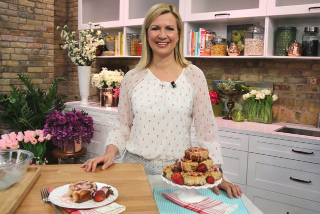 The Marilyn Denis Show | Cooking | Strawberry Rhubarb Sticky Buns