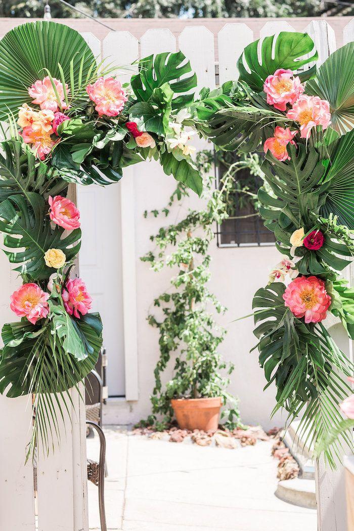 Best 25+ Tropical party ideas on Pinterest   Luau party ...