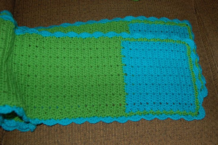 Blue and green scarf, double crochet with scalloped border; 12.28.17