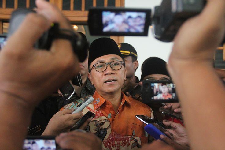 Ketua MPR RI, Zulkifli Hasan menutup Asrama Syarah Asmaul Husna sekaligus sosialisasi empat pilar kebangsaan (Pancasila, UUD 45, Bhinneka Tunggal Ika dan NKRI).