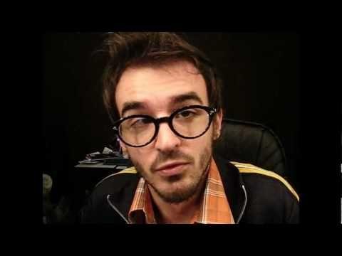 Baratas, fim do mundo em 2012 e Twitter. PC Siqueira o melhor vlogueiro do planeta.