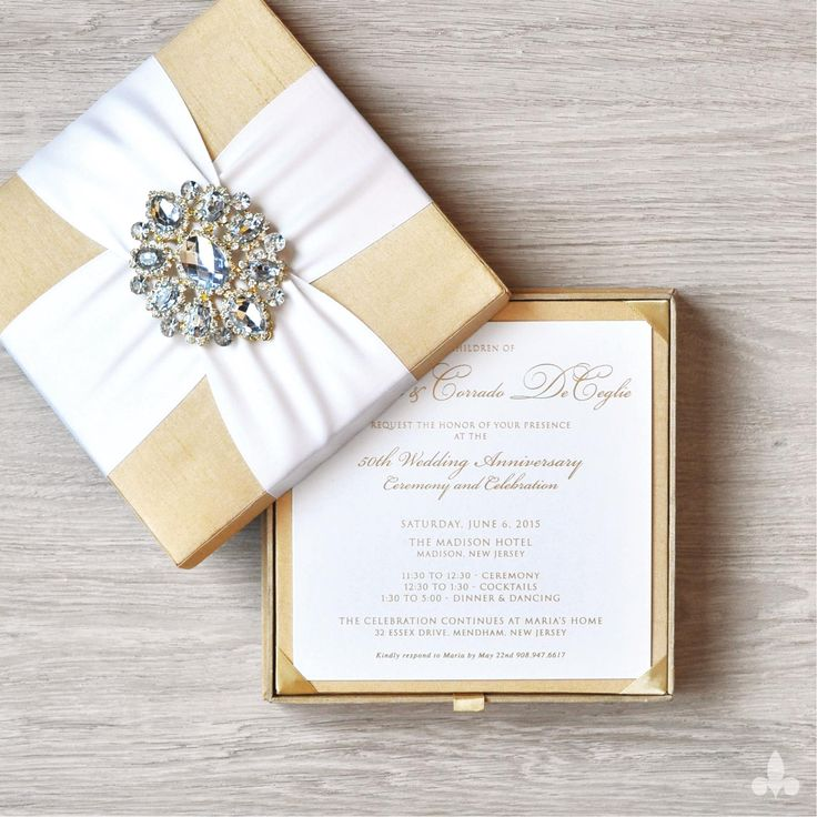 Custom Wedding Invitations and Wedding Branding 486