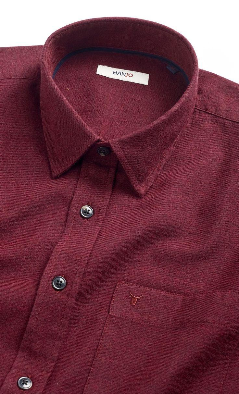 Chemise Homme Flanelle Rouge / Bordeaux / Pourpre Originale Tenue Mode Style Uni coudières en coton flanelle, col classique Manches Longues à porter Ouverte ou Fermée. Parfaite Idée Cadeau pour Homme de 30, 40 ou 50 ans, existe en coffret cadeau. Disponible sur Hanjo.fr