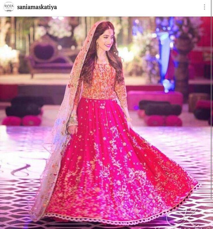 Pakistani designer saniamaskatiya mehndi lehnga for Pakistani wedding traditions