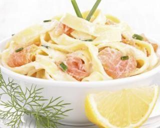 Tagliatelles de konjac minceur au saumon et citron : http://www.fourchette-et-bikini.fr/recettes/recettes-minceur/tagliatelles-de-konjac-minceur-au-saumon-et-citron.html